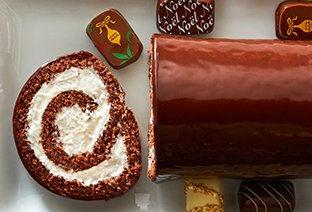 Chocolate Christmas Yule Log Cake